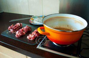 Vlees in porties; vlees met pan;